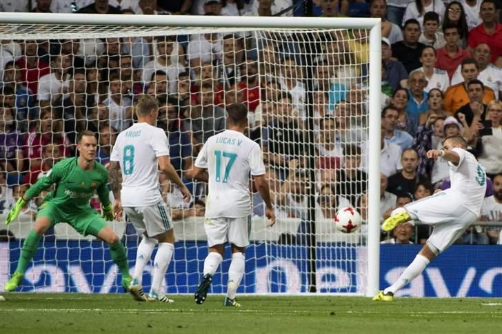 ريال مدريد يجدد فوزه على برشلونة ويتوج بكأس السوبر الإسباني