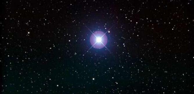 غدًا..  نجم سهيل يظهر في سماء جزيرة العرب