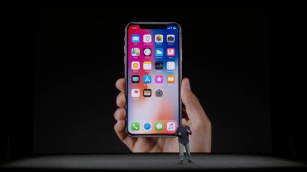 "كل ما تريد معرفته عن هاتف ""  آيفونX"""