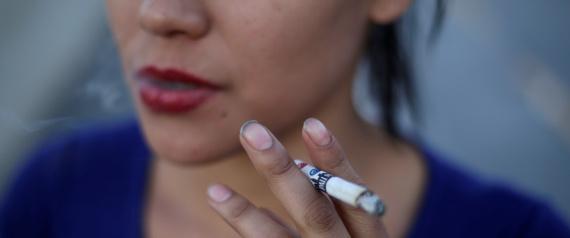 خدعة التخلص من السيجارة.. سر العلاقة بين عمليات التجميل والإقلاع عن التدخين
