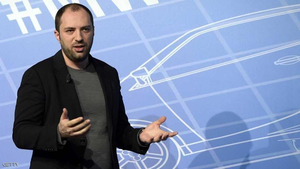 بسبب البيانات الشخصية.. استقالة مؤسس «واتساب» من «فيسبوك»