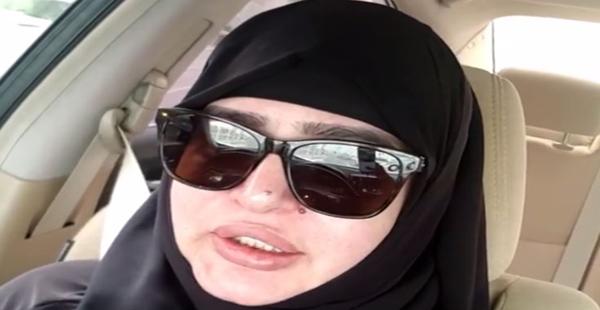 بدرية أحمد ارتدت الحجاب وطالبت الجميع بمسح صورها