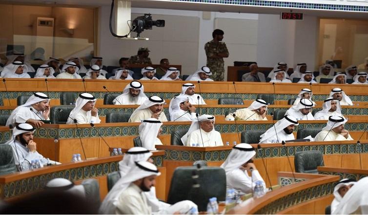 """""""التقاعد المبكر"""" يعبر بموافقة 43 نائبًا وحق """"الكويتية"""" الإسكاني يعود إلى """"المالية"""""""