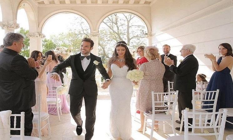 زفاف نجم تشيلسي فابريغاس على عارضة أزياء لبنانية
