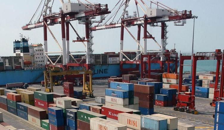 وزيرة التجارة البريطانية: تأثيرات بعض العقوبات الأمريكية تتعدى إيران