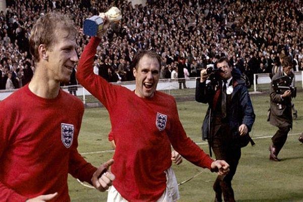 وفاة اللاعب الإنكليزي السابق راي ويلسون