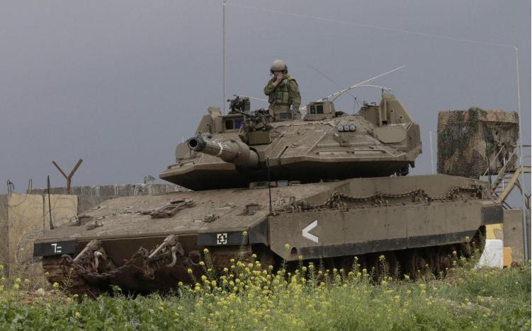 اسرائيل تقصف موقعا لحماس بعد تعرض جنودها لإطلاق نار