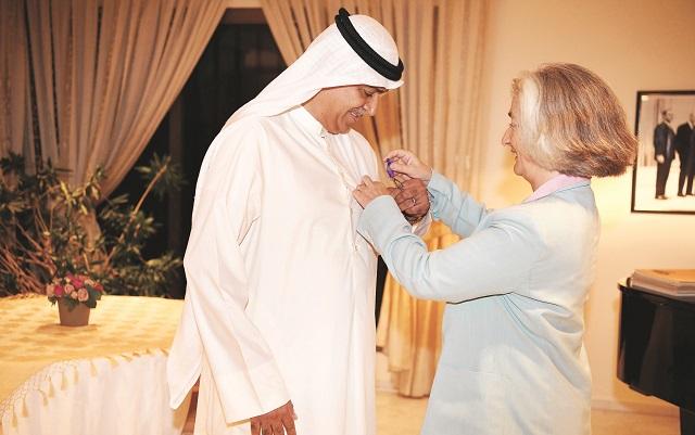 السفيرة الفرنسية قلّدت اليوحة وسام السعف