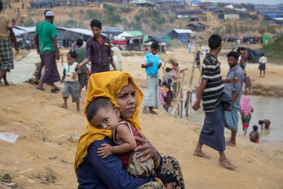 «يونيسف»: 60 طفلا يولدون يوميا بمخيمات الروهينغا في بنغلاديش