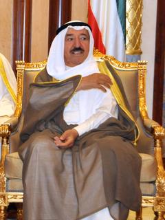 سمو أمير البلاد وسمو ولي العهد وآل صباح يستقبلون المهنئين بحلول شهر رمضان