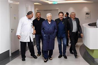 طبيب الرئيس الفلسطيني: لا يوجد موعد محدد لخروجه من المستشفى