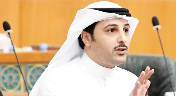 أحمد الفضل يقترح المساواة في الجوازات الخاصة