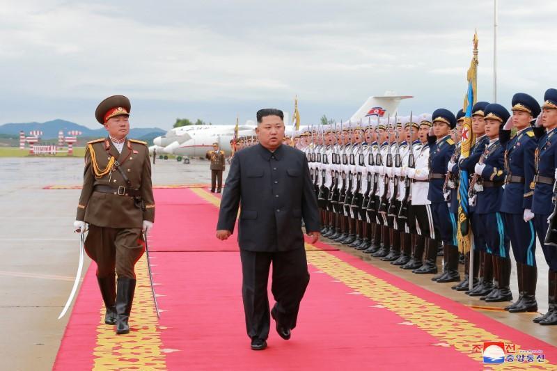 كيم وترامب سيناقشان السلام ونزع السلاح النووي