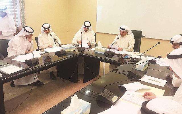 «الأحمدي» توافق على إضافة أنشطة لمواقع حجز المركبات