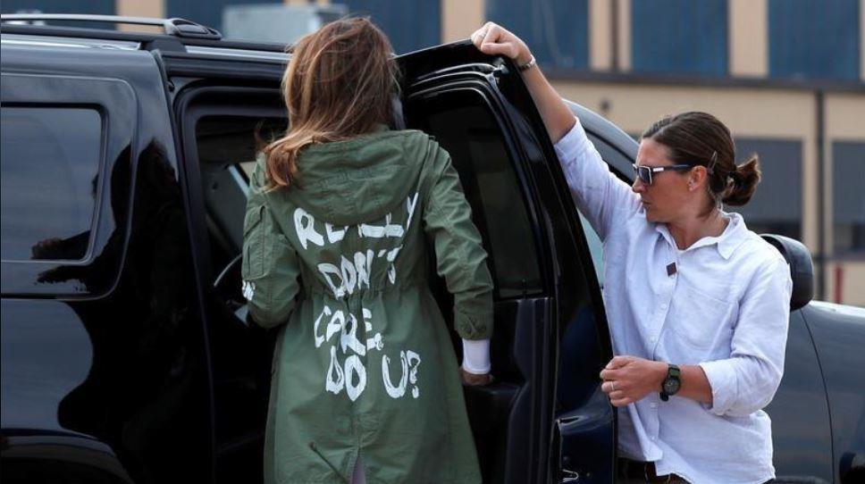 شركة ملابس أميركية ترد على معطف ميلانيا ترامب