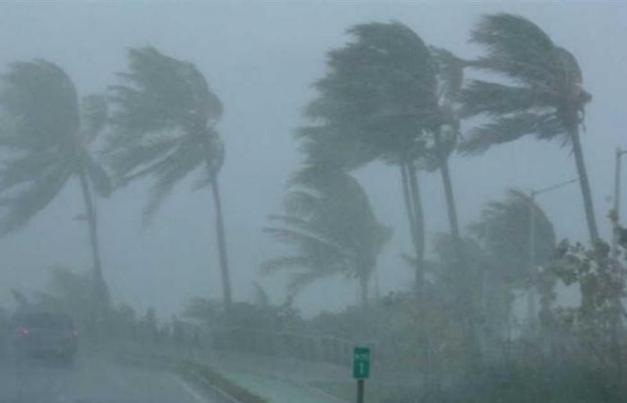 «كريس» تتحول إلى إعصار