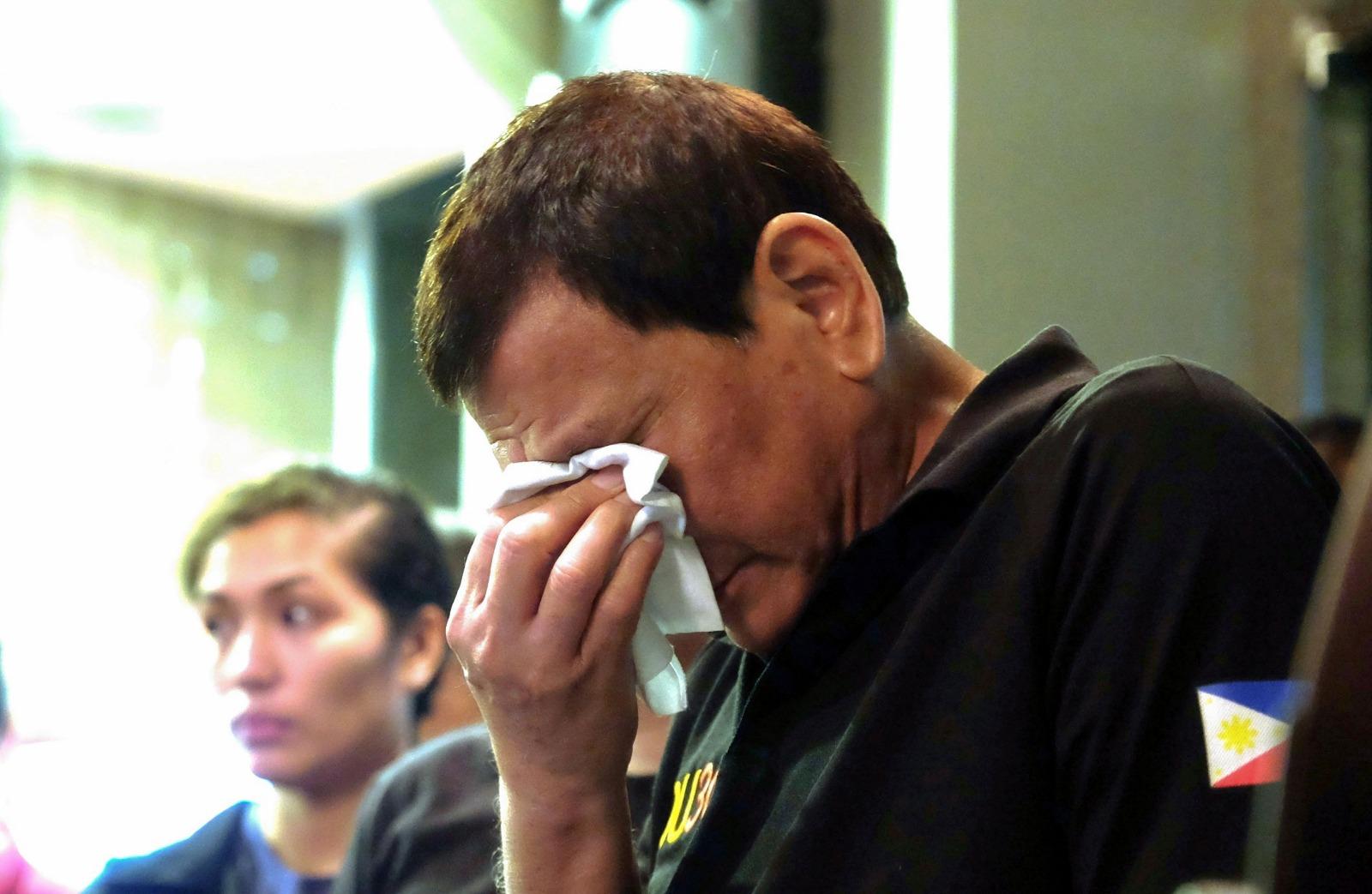 """الرئيس الفلبيني بعد تطاوله على الذات الإلهية: عتذر للرب الذي """"يغفر جميع الخطايا"""""""