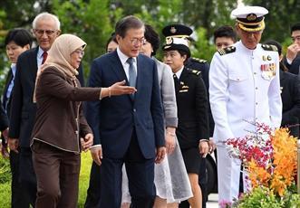 بعد انقطاع 15 عاماً للزيارات المتبادلة.. رئيس كوريا الجنوبية في سنغافورة