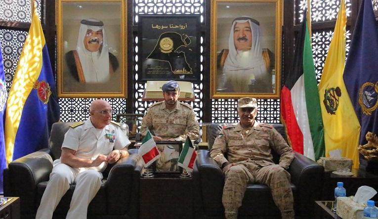 مدير التسليح في البحرية الإيطالية يزور الكويت