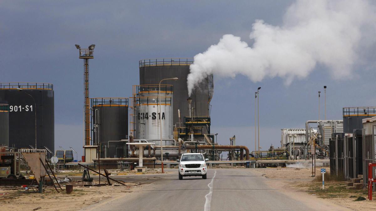 اختطاف عمال بحقل نفطي جنوبي ليبيا