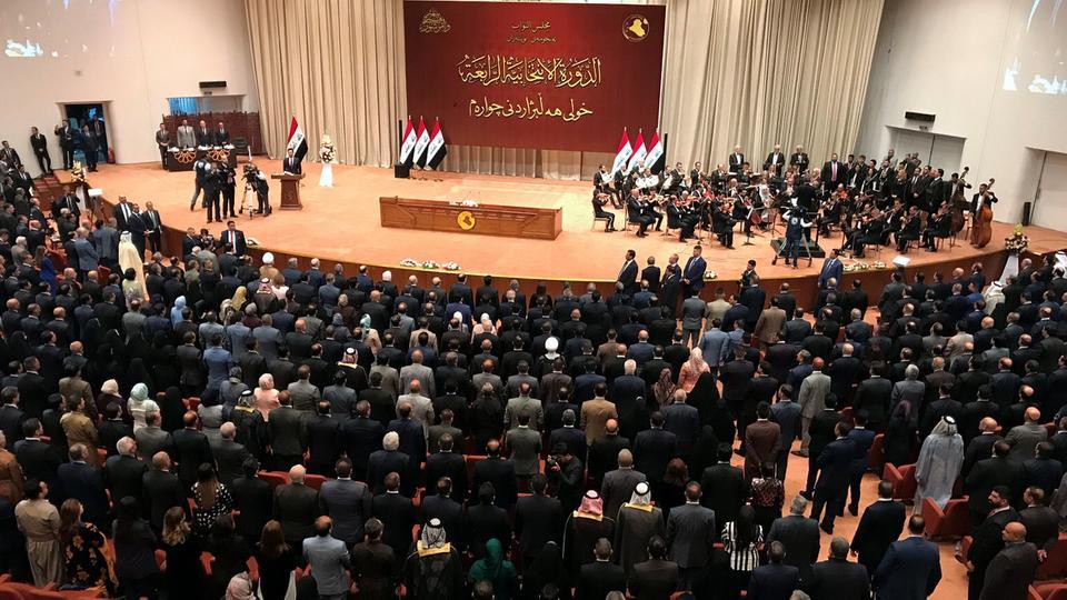 ما حقيقة اتهامات بيع المناصب القيادية في العراق؟