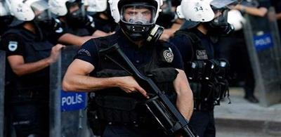 الأمن التركي يطلق الغاز المسيل للدموع على عمال في مطار إسطنبول الجديد