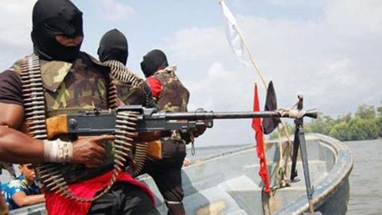 قراصنة يختطفون 12 من طاقم سفينة سويسرية في مياه نيجيريا