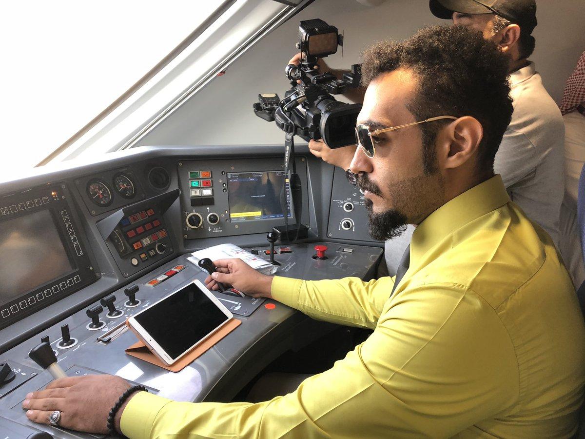 السعودية| انطلاق أولى رحلات قطار الحرمين السريع بين مكة والمدينة وسط احتفالات وعروض شعبیة