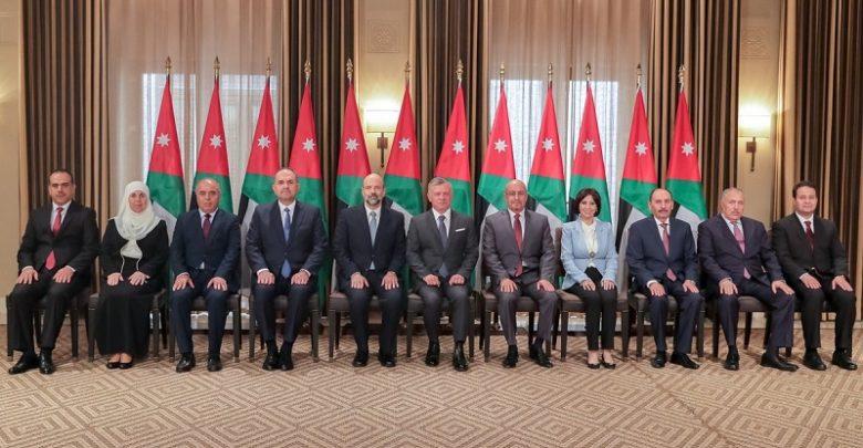 رئيس الوزراء الأردني يُجري أول تعديل على حكومته