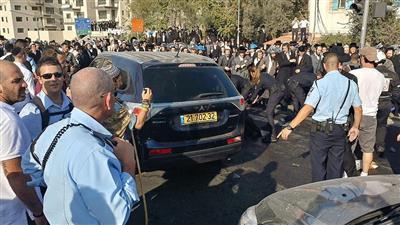 إصابة إسرائيليين اثنين في عملية طعن بالضفة الغربية