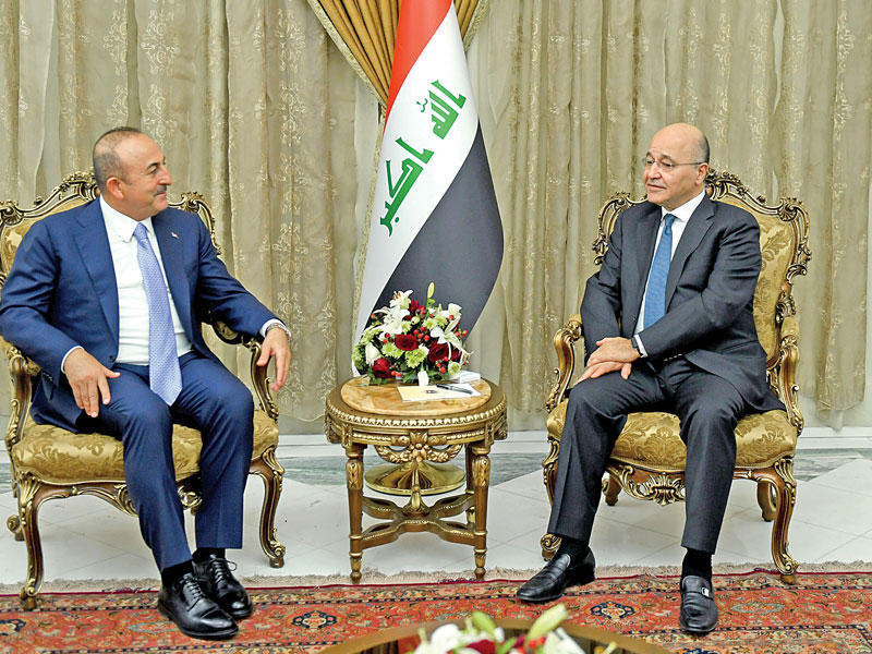 عشرات آلاف العراقيين تقدموا لمنصب وزير