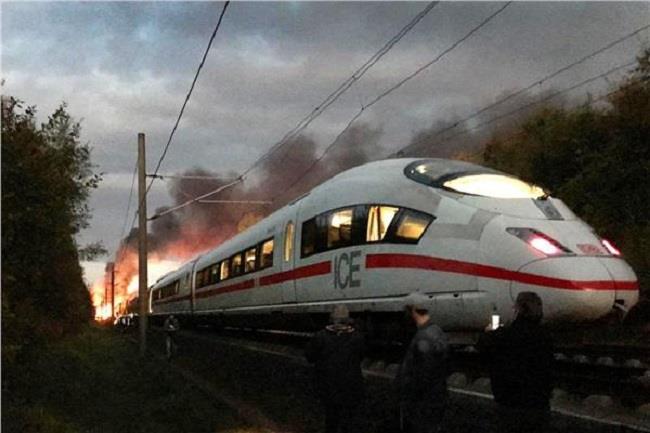 إجلاء 510 ركاب إثر اندلاع حريق بقطار سريع في ألمانيا.. ولا إصابات