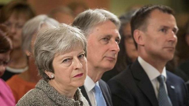 وزيرتان بريطانيتان تهددان بالاستقالة على خلفية تنازلات ماي في ملف «بريكست»