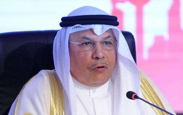 وزير الدفاع بالإنابة يقلد ضباطًا جددًا رتبهم العسكرية