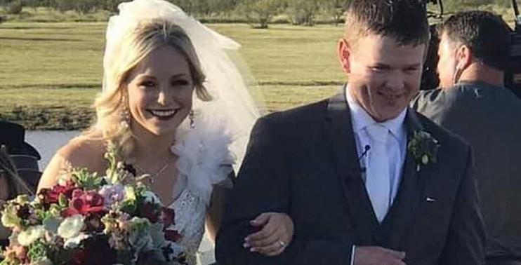 مصرع عروسين بعد ساعات من حفل زفافهما عقب تحطم مروحيتهما في تكساس