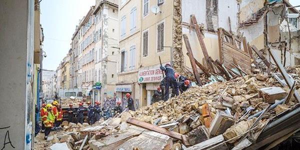 العثور على 3 جثث في مبنيين منهارين بمدينة مرسيليا الفرنسية