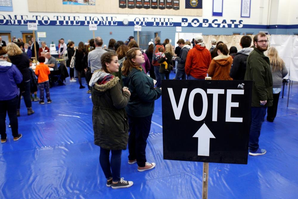 الجمهوريون يحافظون على الأغلبية في «الشيوخ».. والديموقراطيون يتقدمون في «النواب»