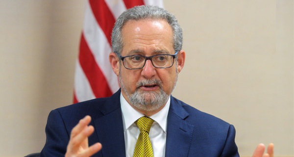 السفير الأميركي: وحدة الكيان الخليجي هدف مشترك