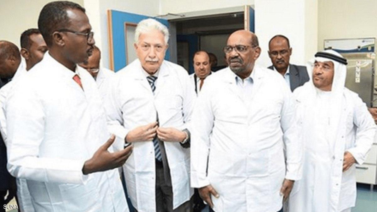 البشير يفتتح أكبر مصنع للأدوية في السودان
