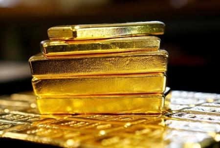 الذهب ينخفض مع ارتفاع الدولار
