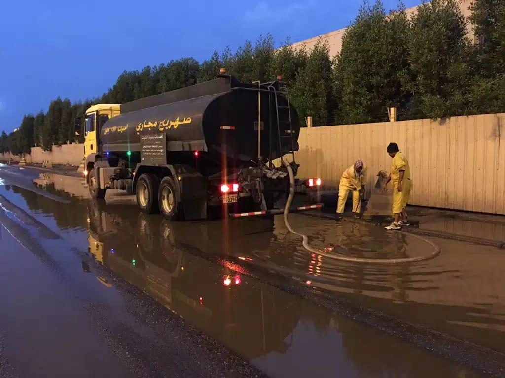 """""""البلدية"""" تفعل خطة الطوارئ للتعامل مع تقلبات الطقس والأمطار"""