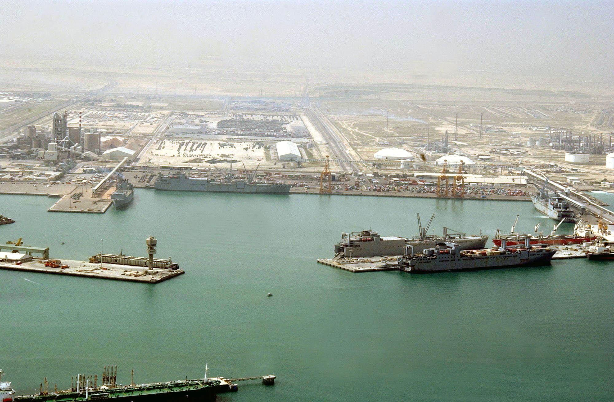 توقف حركة الملاحة البحرية في الموانئ لسوء الأحوال الجوية  مطر الكويت