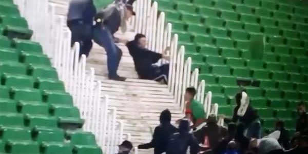 إصابة 10 شرطيين وتوقيف 30 شخصا بعد شغب أعقب مباراة في الجزائر