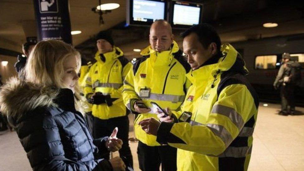 الدنمارك| جزيرة للحيوانات والإسطبلات تتحول إلى سجن مفتوح لبعض اللاجئين غير الشرعيين