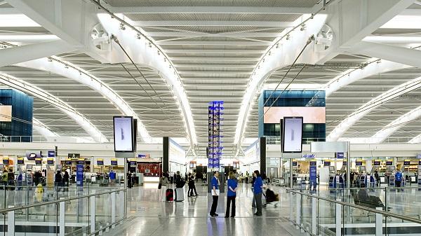 مطار هيثرو لندن يوفر المواعيد المسبقة لاسترجاع التاكس فري