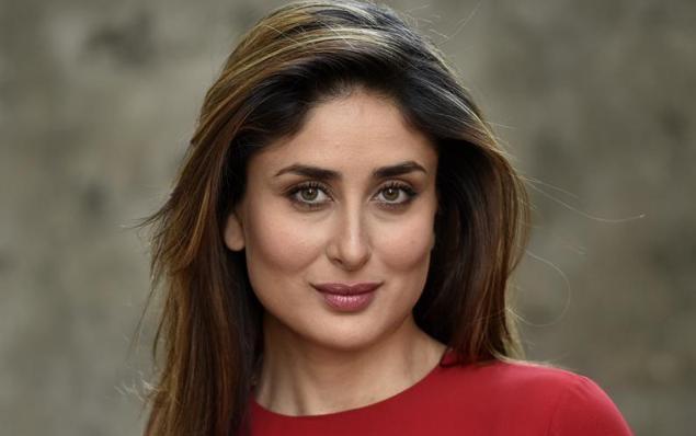كارينا كابور تقدم نصف مليون دولار لمن يسجل في مرمى الإمارات