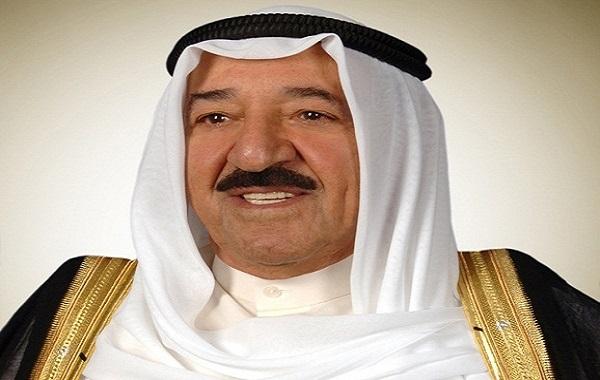 سمو الأمير يهنئ رئيس الوزراء البحريني بتماثله للشفاء