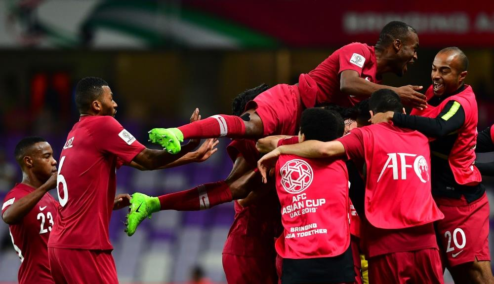 قطر تعبر لبنان بثنائية في كأس آسيا