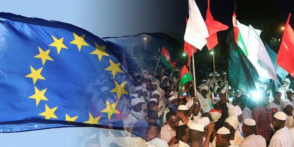 الاتحاد الأوروبي يطالب بـ «نزع فتيل التصعيد» في السودان.. والإفراج عن المعارضين