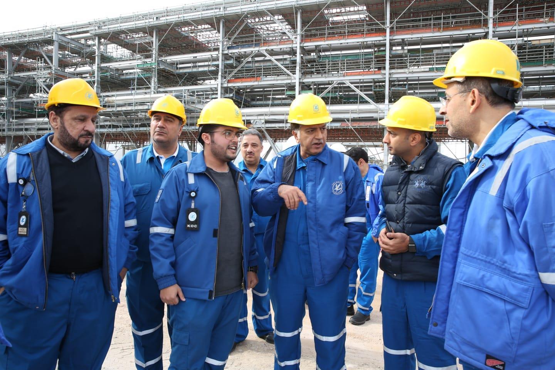 هاشم هاشم يتفقد المشاريع النفطية شمال الكويت